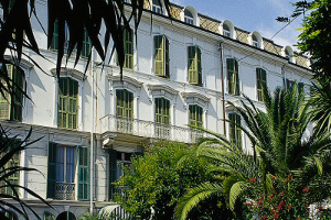 book online charming hotels in the Italian Riviera
